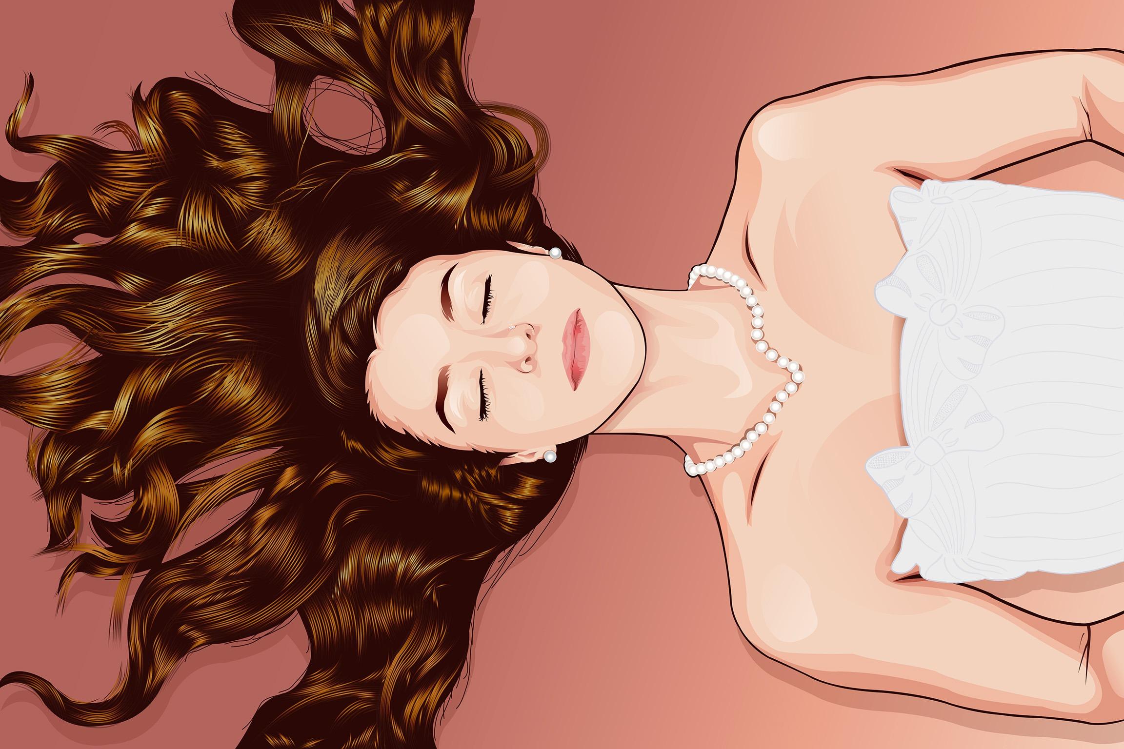Une jeune femme brune allongée avec les yeux fermés sur fond rose pâle